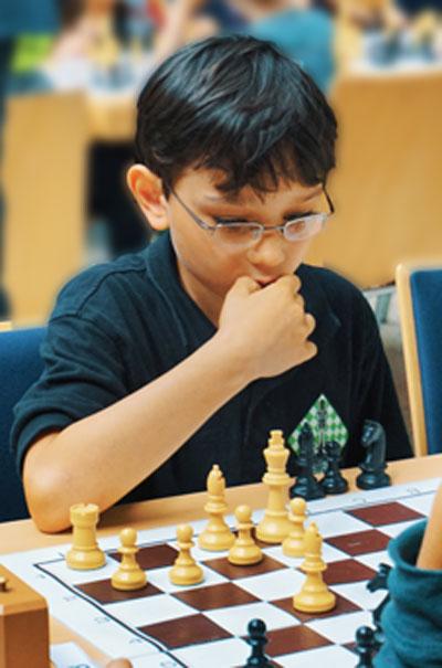 Jonathan Eichert gewinnt die Vorrunde der Bezirksmeisterschaft U12 mit 5 aus 5